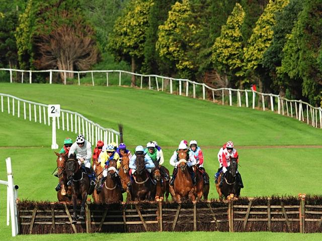 There is Grade 2 racing from Clonmel on Thursday