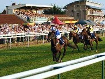 Timeform analyse the pace angles at Warwick