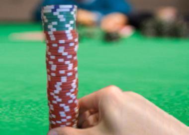 Overbetting the pot betting srl
