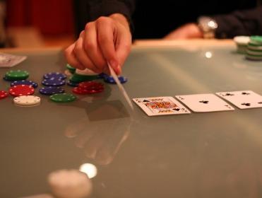 betting in limit poker