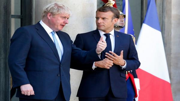 Johnson and Macron 956.jpg