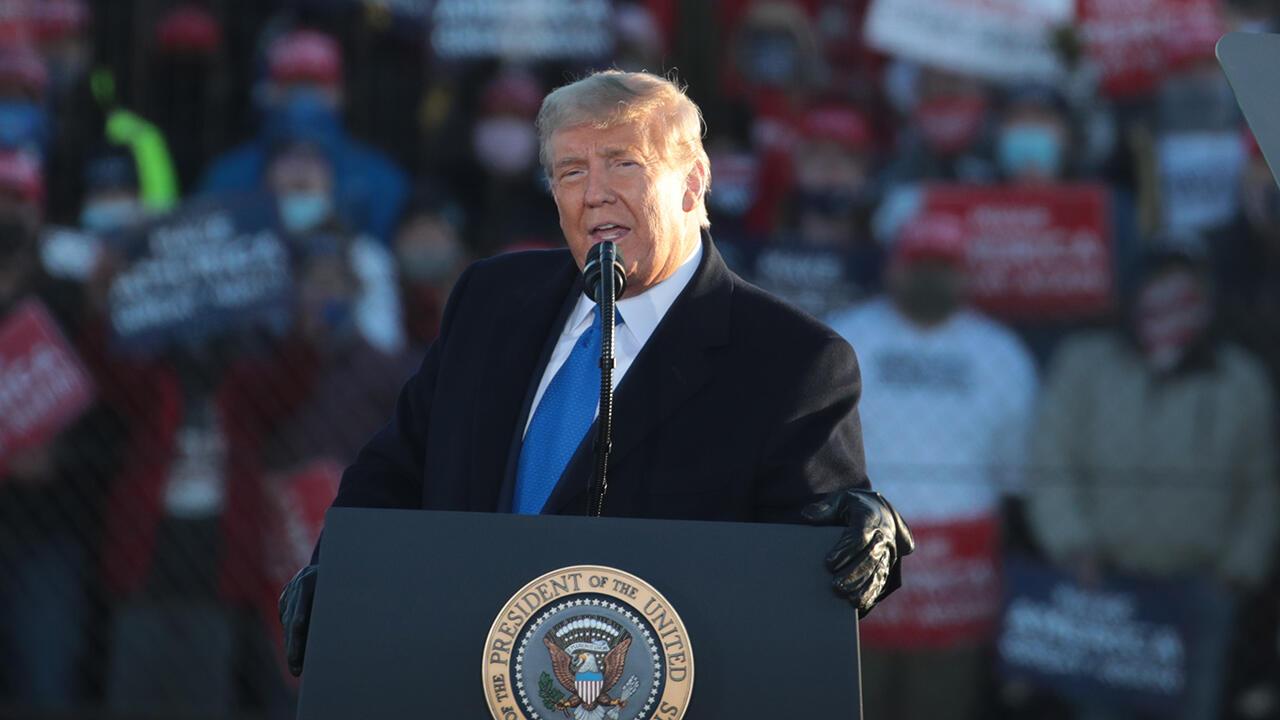 Trump%20at%20lectern%201280