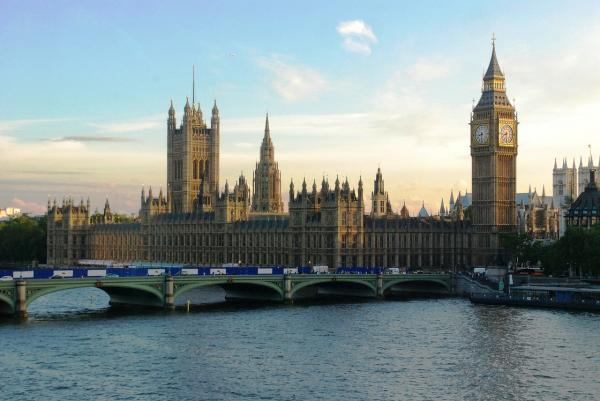 parliament-544751_1280.jpg