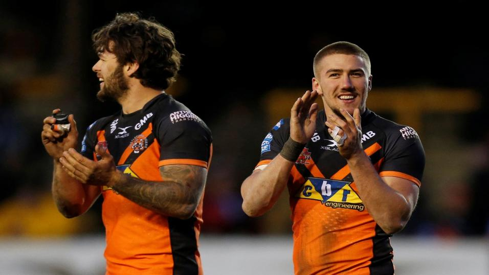 Castleford Tigers' Greg Minikin (right) celebrates
