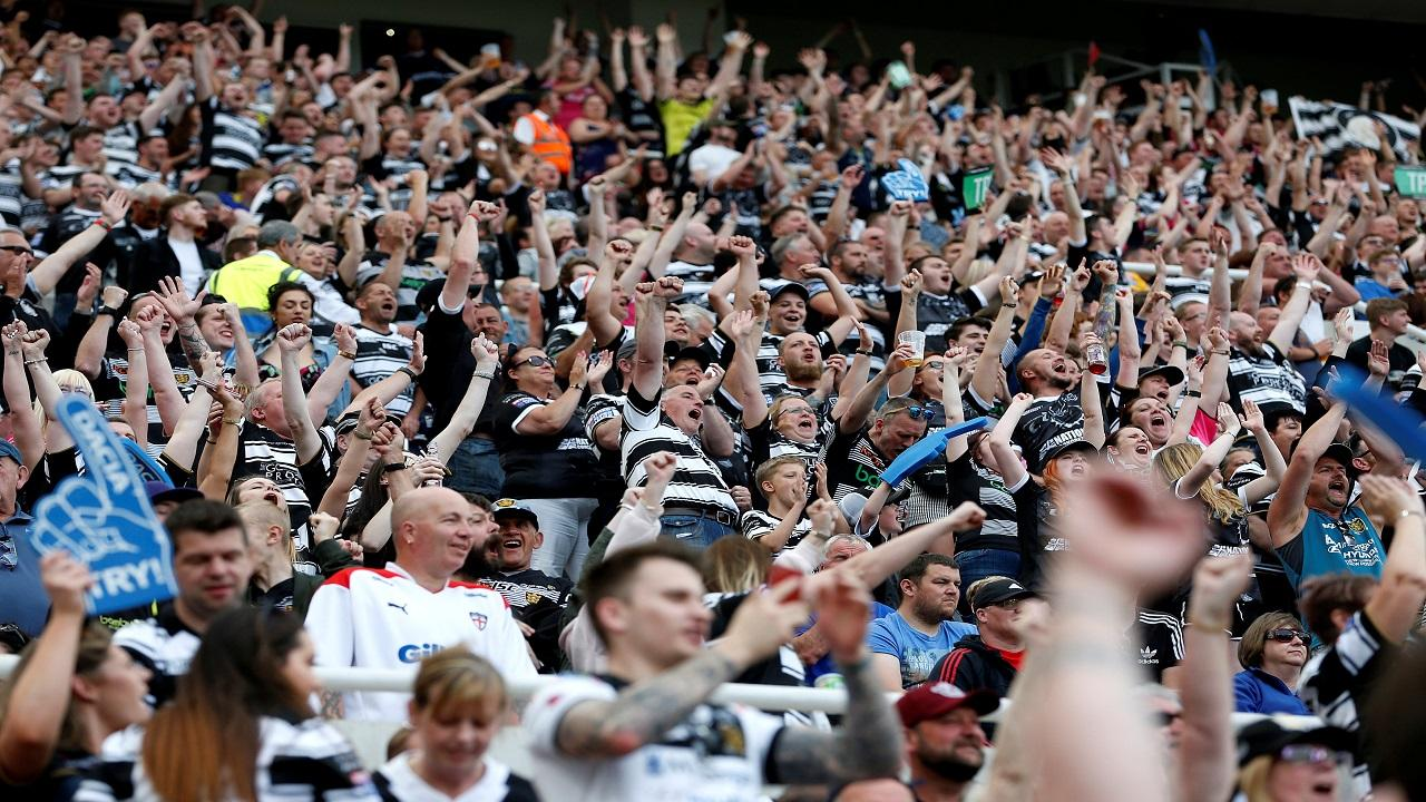 Hull FC supporters