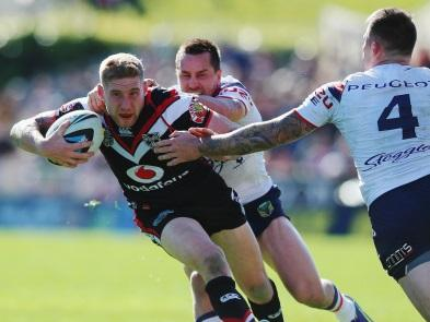 Sam Tomkins in NRL action against Steve McNamara's Sydney Roosters
