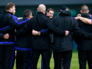 All for one and one for all - Steve Hansen with his All Blacks
