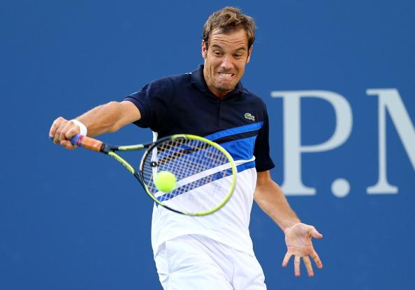 The Gasquet backhand should dominate Lorenzi today