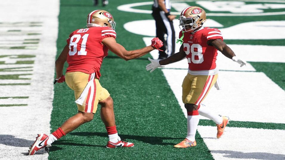 Jerrick McKinnon and Jordan Reed of San Francisco 49ers