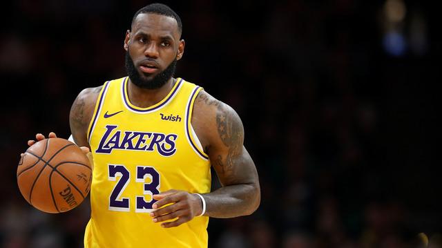 LA Lakers Lebron with ball 1280.jpg